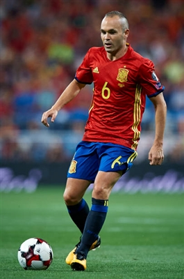 Andres Iniesta poster #3334471