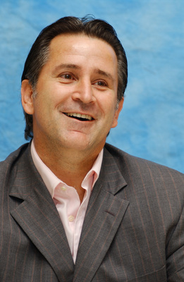 Anthony Lapaglia poster #2389689