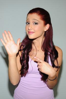 Ariana Grande poster #2006222