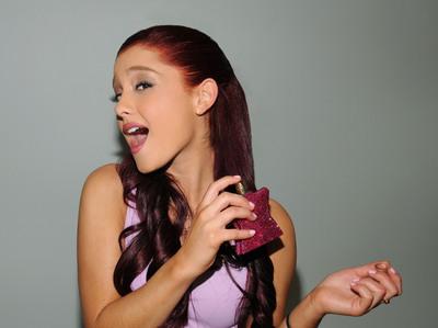 Ariana Grande poster #2006233