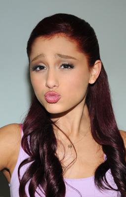 Ariana Grande poster #2006235