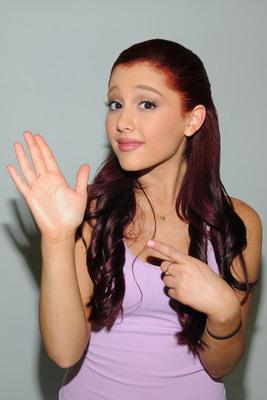 Ariana Grande poster #2006247