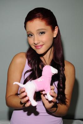 Ariana Grande poster #2006266