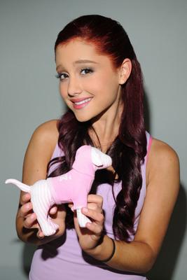 Ariana Grande poster #2006267