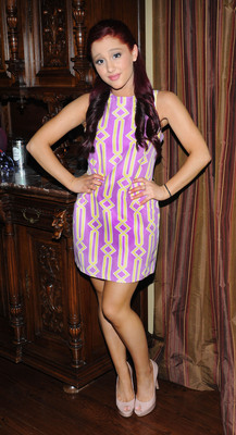 Ariana Grande poster #2125457
