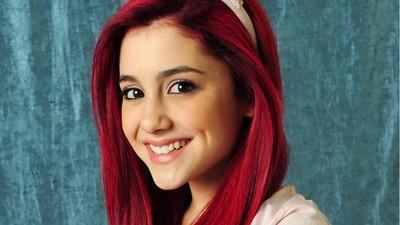 Ariana Grande poster #2368148