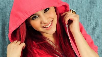 Ariana Grande poster #2368154