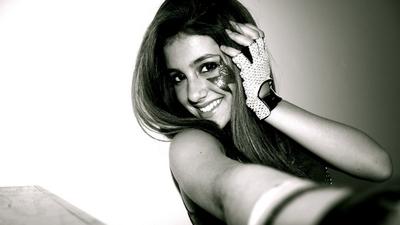 Ariana Grande poster #2368159