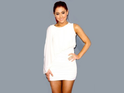 Ariana Grande poster #2368167