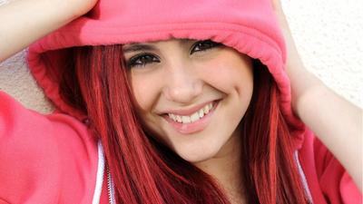Ariana Grande poster #2368168