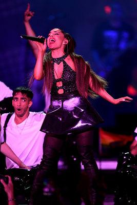 Ariana Grande poster #3299138