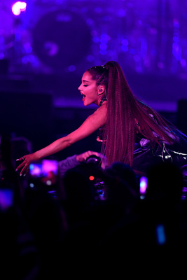 Ariana Grande poster #3310833