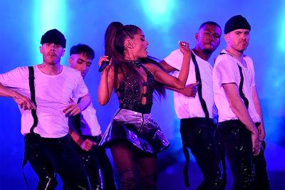 Ariana Grande poster #3310842