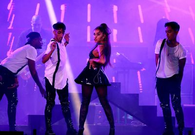 Ariana Grande poster #3310843