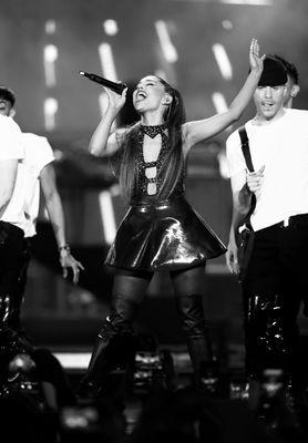 Ariana Grande poster #3310851