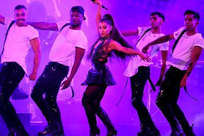 Ariana Grande poster #3310855