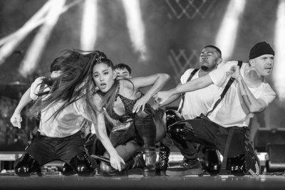 Ariana Grande poster #3313021