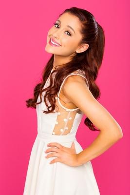 Ariana Grande poster #3821701