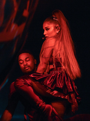 Ariana Grande poster #3891850