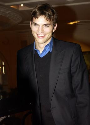 Ashton Kutcher poster #2318005