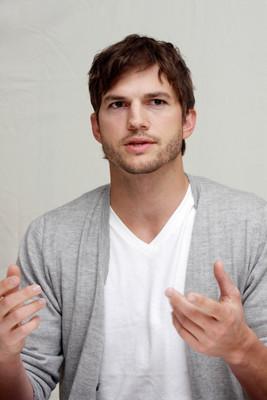 Ashton Kutcher poster #2342085