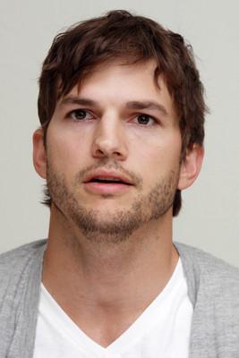 Ashton Kutcher poster #2342090