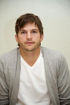 Ashton Kutcher poster #2430163