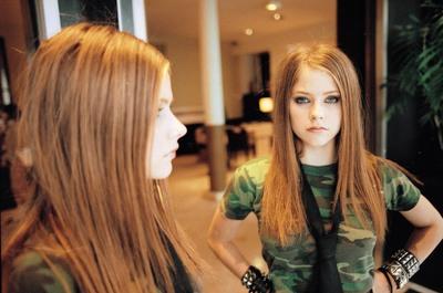 Avril Lavigne poster #2019266