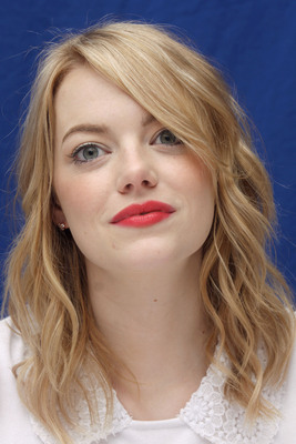 Emma Stone poster #2225076