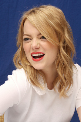 Emma Stone poster #2225090