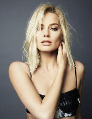 Margot Robbie poster #2417620