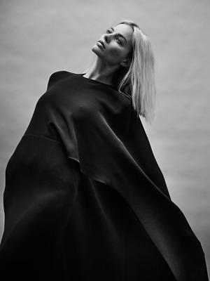 Margot Robbie poster #2439636