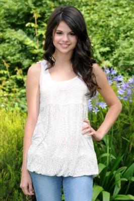 Selena Gomez poster #1514080